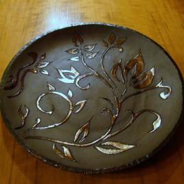 Didelė lėkštė su gėlės žiedu