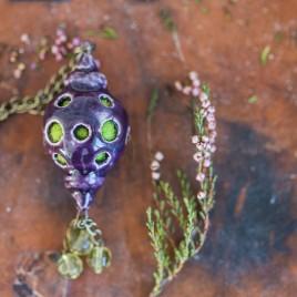Violetinis pomanderis su žalia vilna