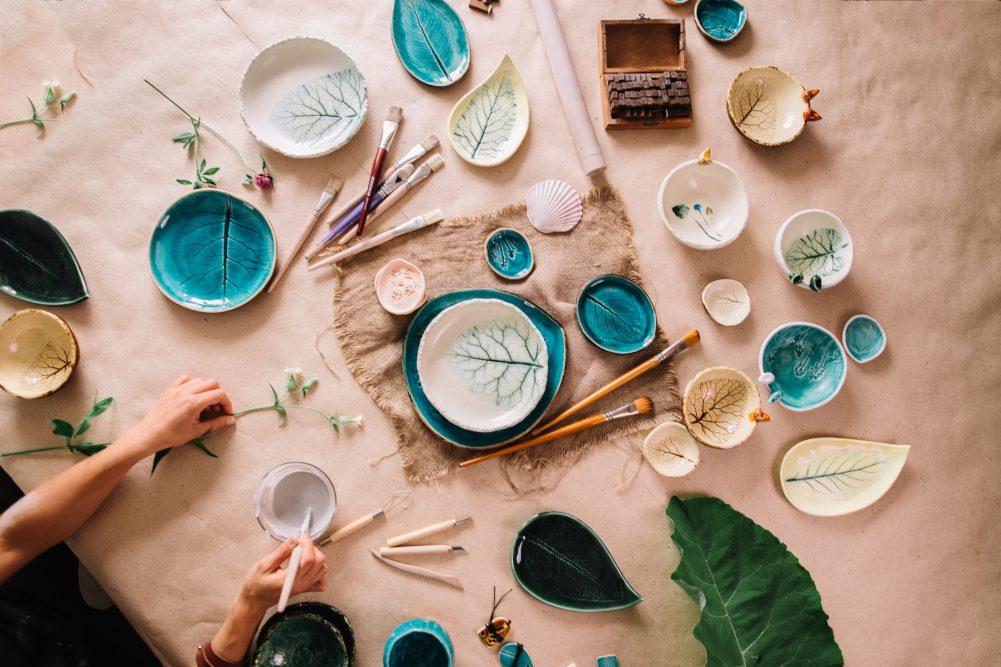 Keramika su gėlių įspaudais